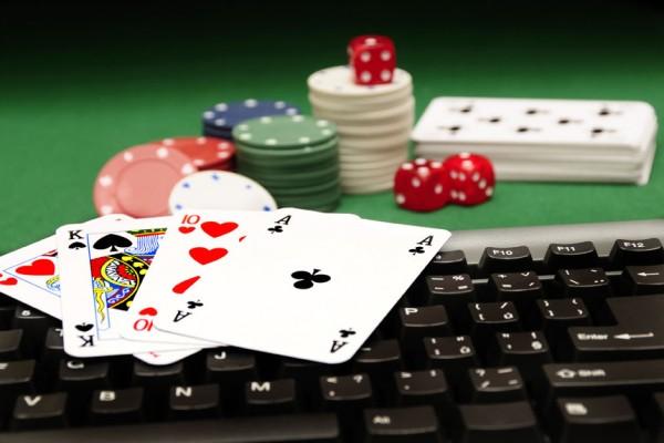 online-poker-600x400