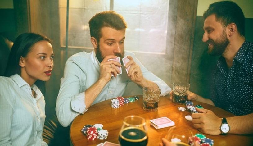 3 Tangan Bermasalah Teratas di Texas Hold'em